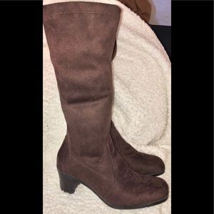 George Brown micro suede chunky heel boot size 10